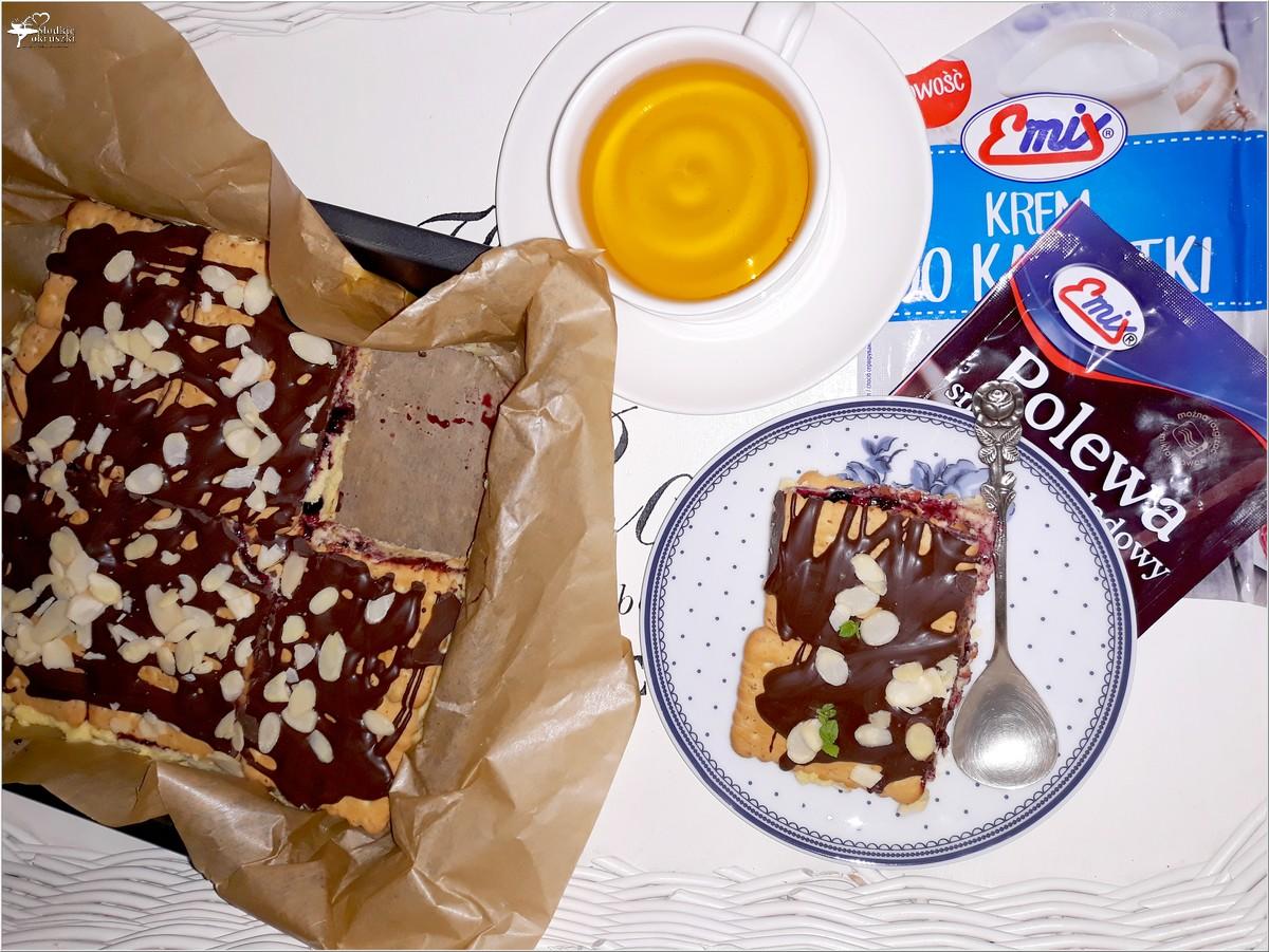 Szybkie ciasto karpatkowo-jagodowe. Prosty deser bez pieczenia (2)