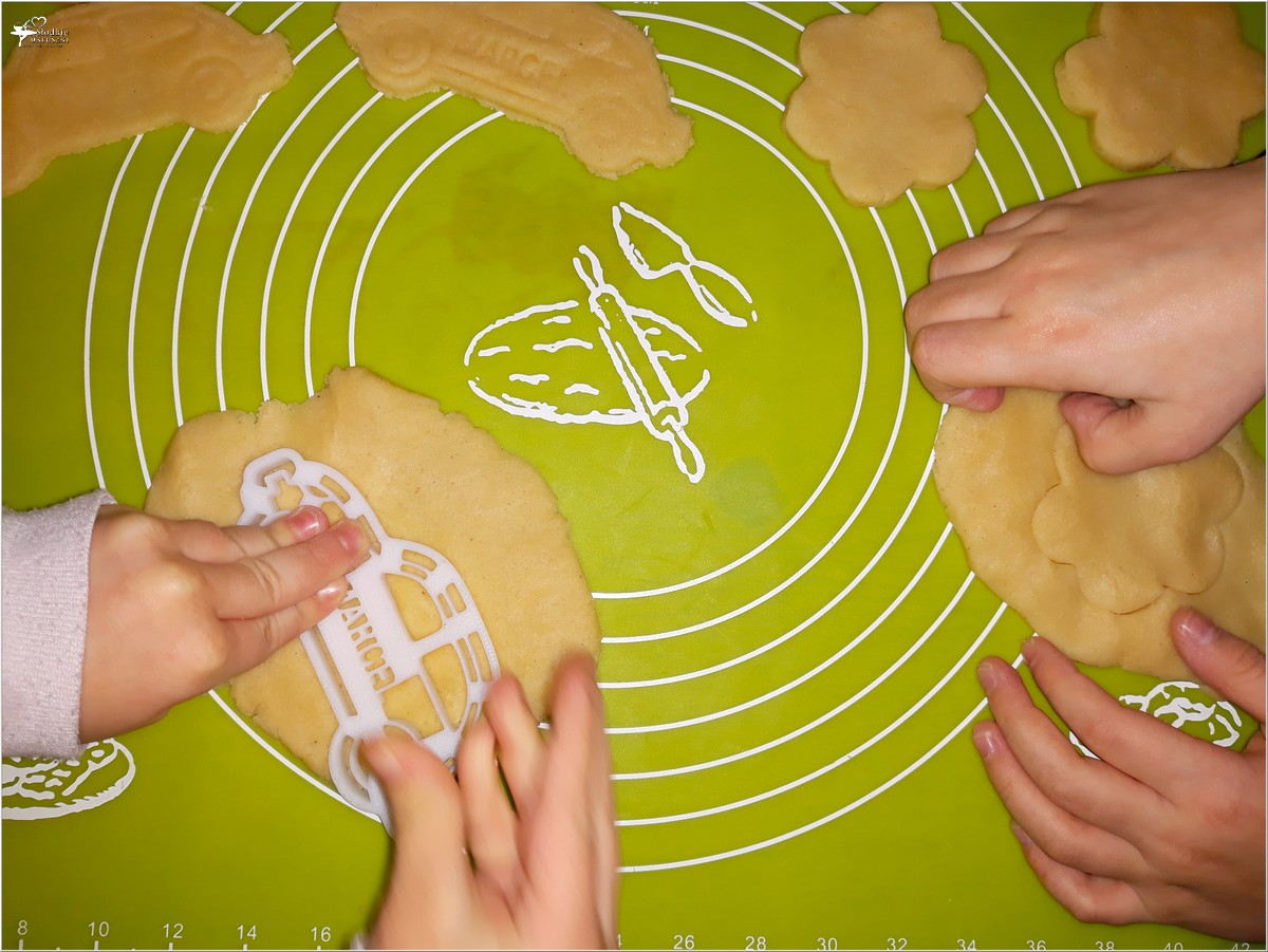 Szybkie waniliowe ciasteczka (wycinane przez dzieci) (3)
