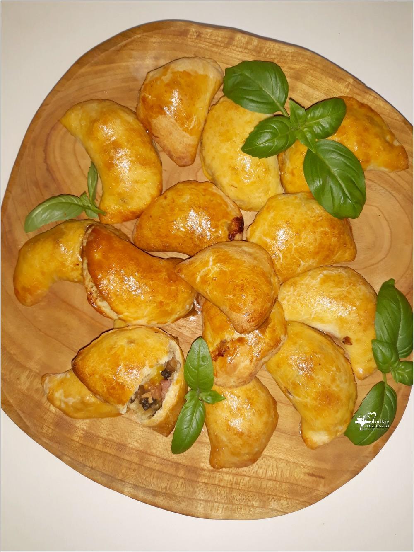 Drożdżowe pierożki (pieczone). Idealne na obiad lub przyjęcie (1)