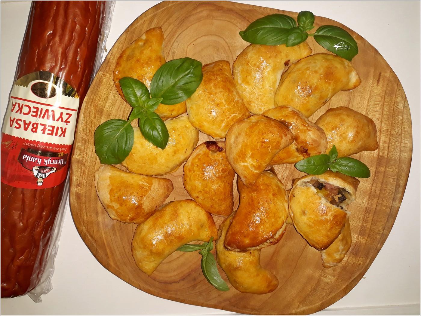 Drożdżowe pierożki (pieczone). Idealne na obiad lub przyjęcie (4)