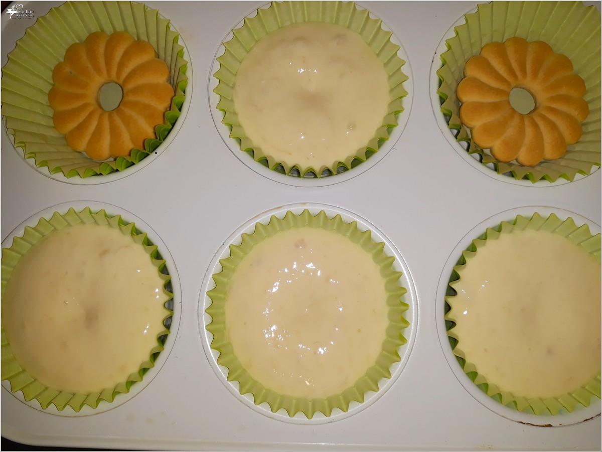 Etap przygotowań - Bananowe mini serniczki z ciasteczkiem