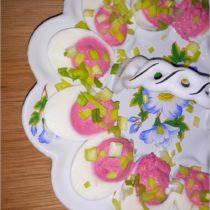 Jajka faszerowane ćwikłą (2)