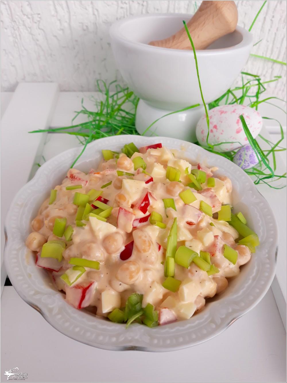 Szybka chrzanowa sałatka z cieciorką i papryką (1)
