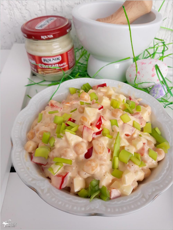 Szybka chrzanowa sałatka z cieciorką i papryką (2)