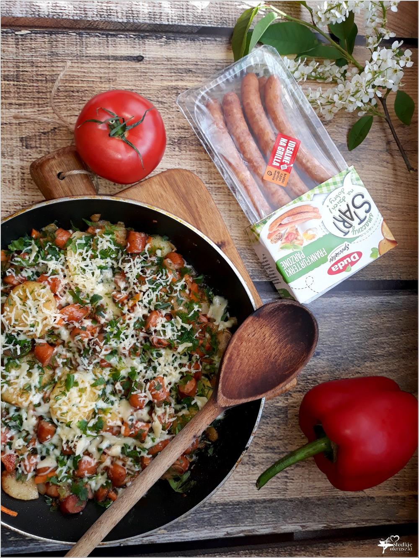 Frankfurterki smażone z warzywami i serem (2)