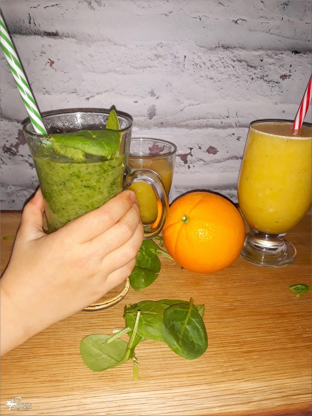 szpinak słodkie owoce i woda fiji czyli smoothie idealne dla najmłodszych
