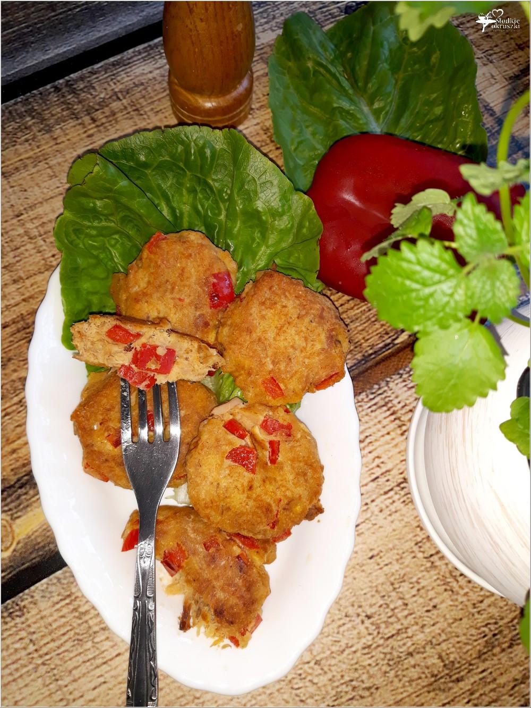 Dietetyczne kotleciki tuńczykowe z papryką (na mące kukurydzianej) (2)