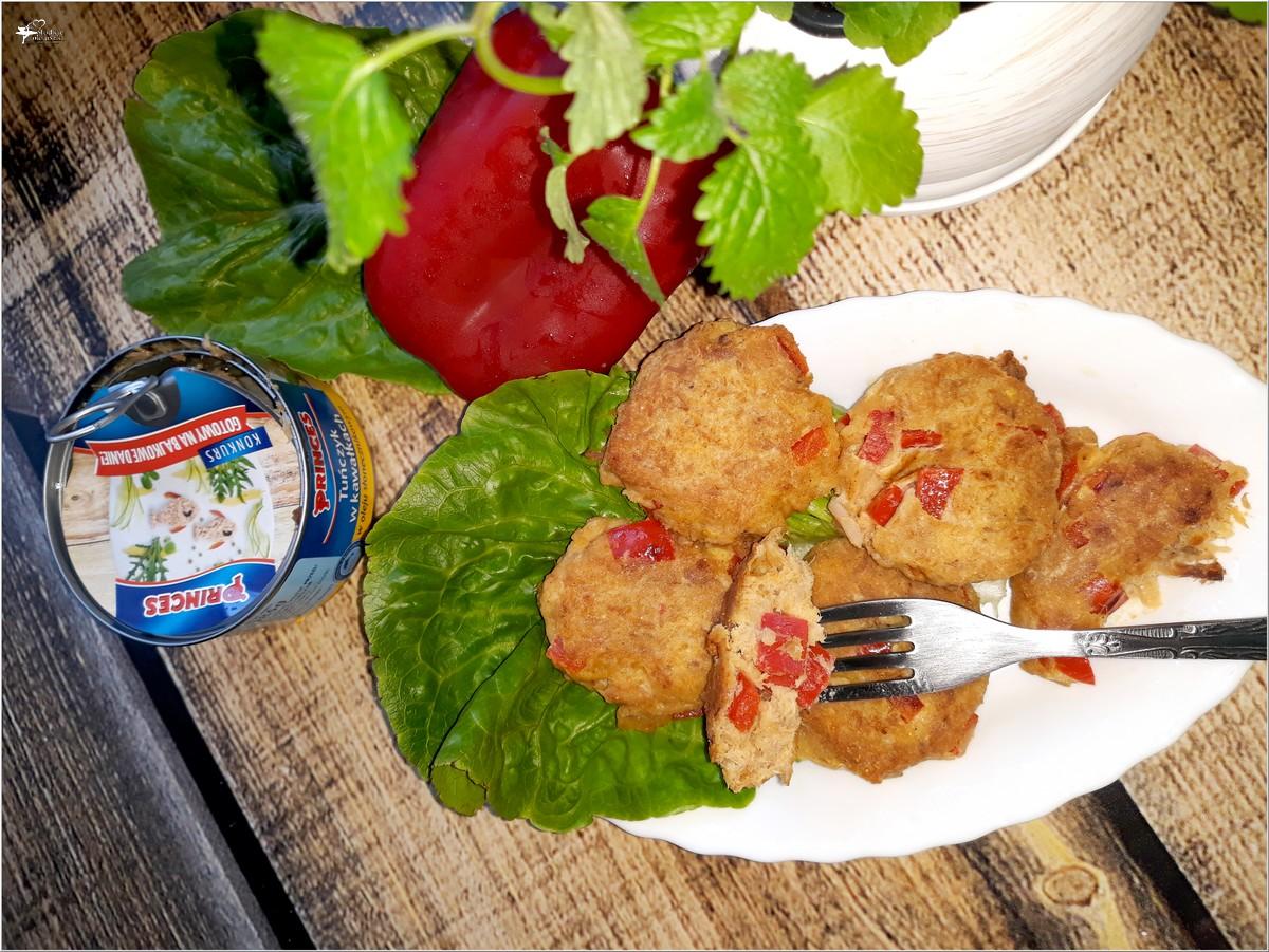 Dietetyczne kotleciki tuńczykowe z papryką (na mące kukurydzianej) (3)