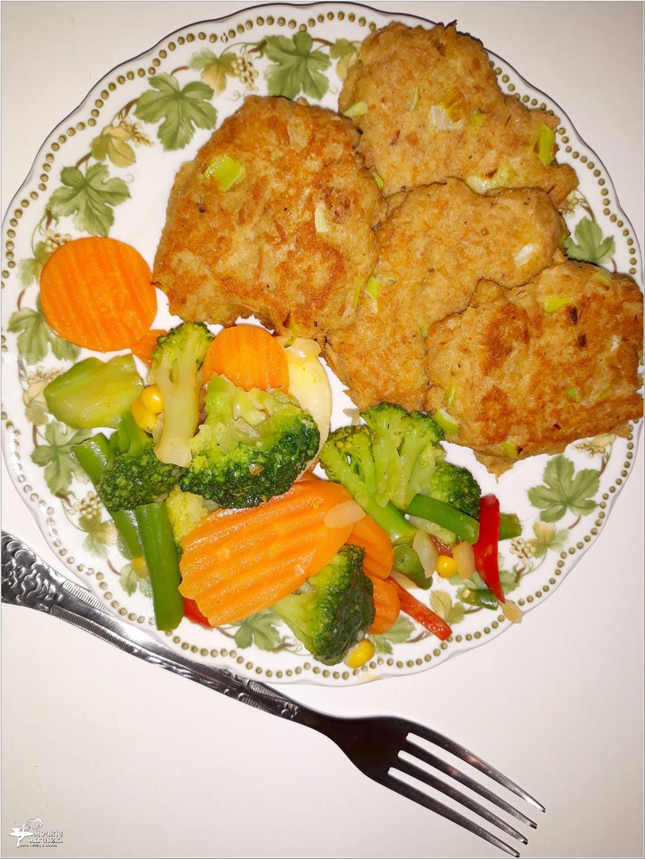 Kotleciki z tuńczyka z miksem warzyw (1)