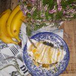 Placek z tapioki z karmelizowanym bananem