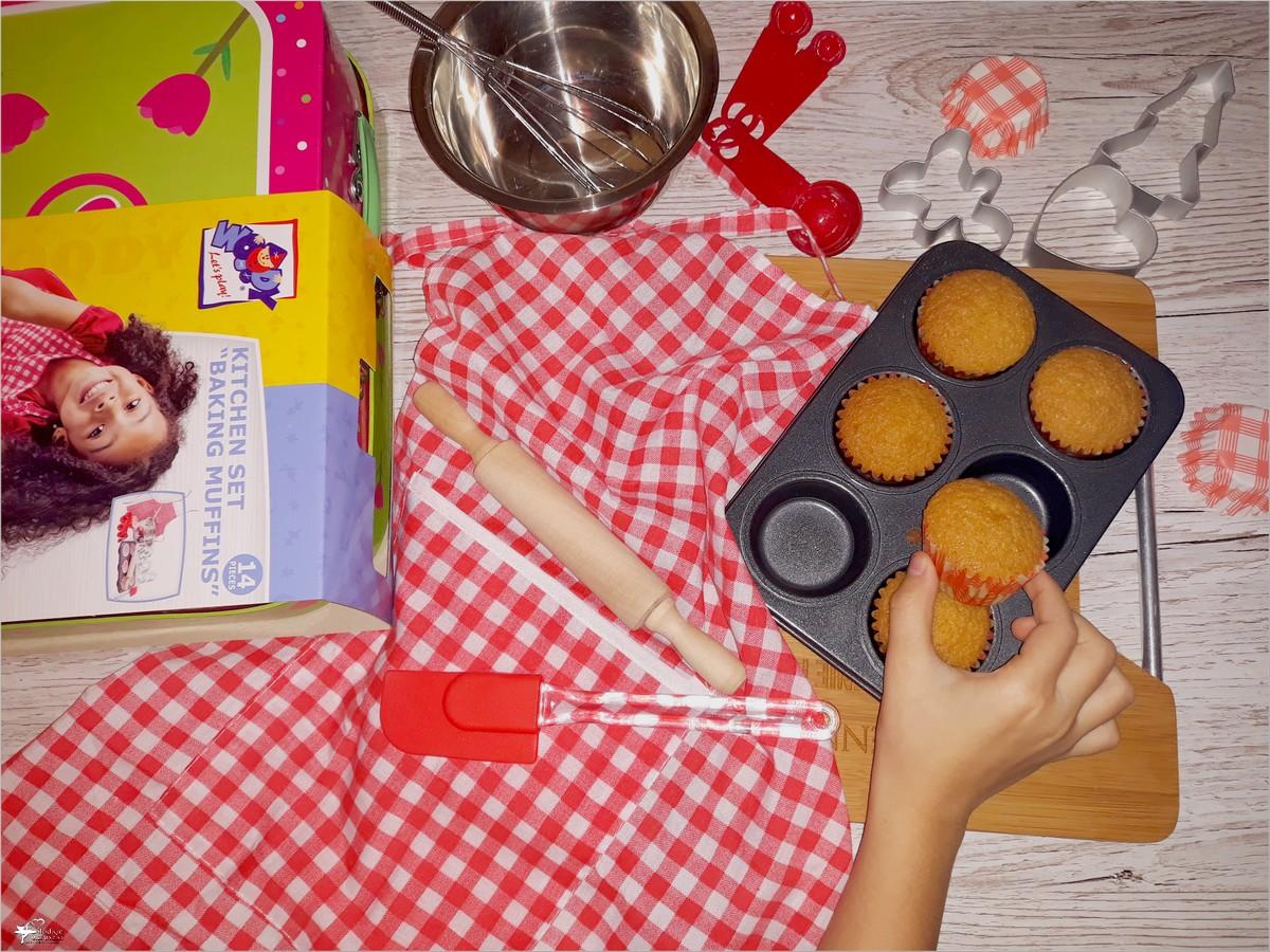 Mini babeczki córeczki. I o zestawie do pieczenia muffinek w kuferku.
