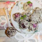 Zdrowe sezamowe kuleczki słodzone daktylami