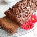 Wilgotne ciasto kakaowe mieszane łyżką