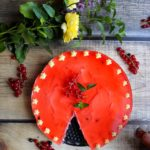 Kremowy sernik z borówkami (bez pieczenia)