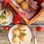 Bułeczki nadziewane farszem z suszonych grzybów