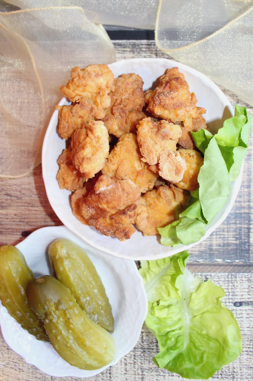 Kawałki kurczaka w kukurydziano-pszennym cieście