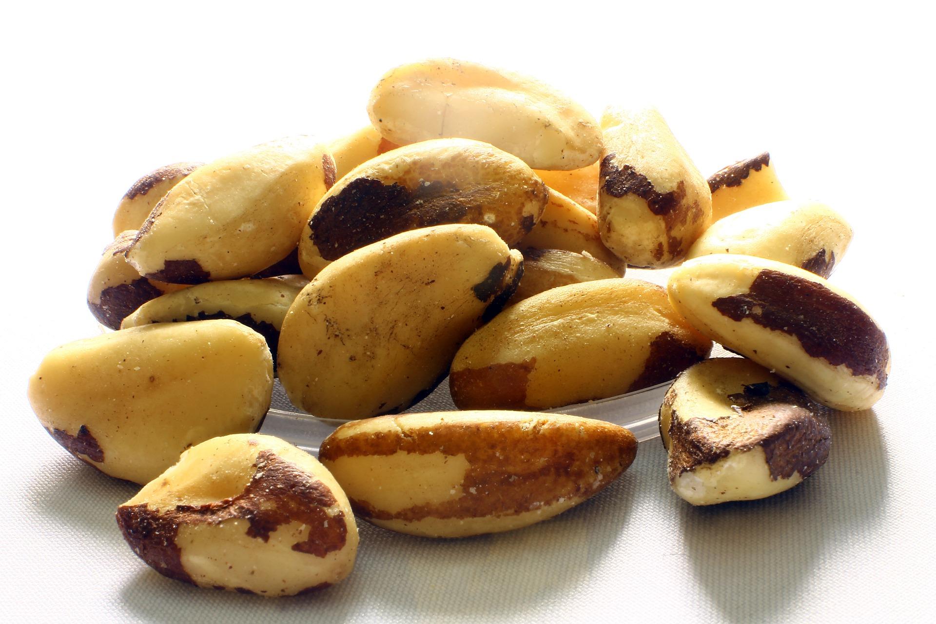 Orzechy Brazylijskie - dlaczego warto je jeść? Poznaj pyszne przepisy.