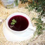 Świąteczny czerwony barszcz z ziołami
