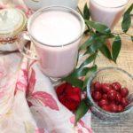 Koktajl malinowo wiśniowy na mleku kokosowym