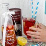 Letnie orzeźwienie – mrożona herbata z owocami