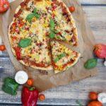 Pizza na bogato – domowa pizza na dużą blachę
