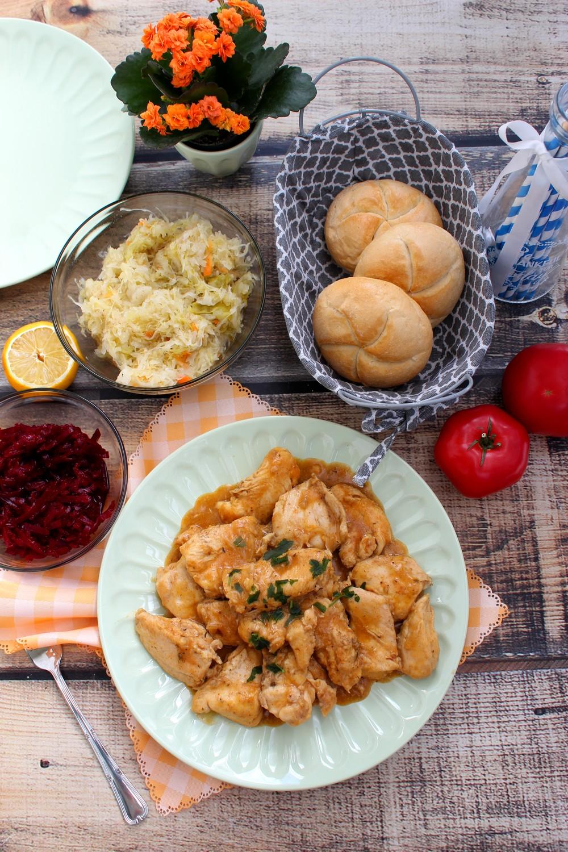 Piersi z kurczaka w prostym sosie - rodzinny obiad