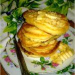 Karmelowe placuszki czekoladowe z kawałkami bananów
