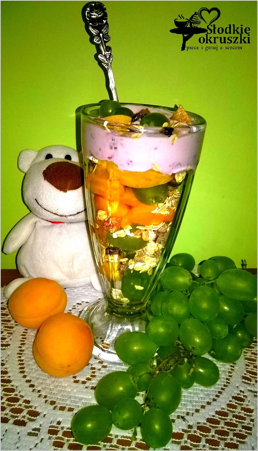 Porcja zdrowia i owoców na śniadanie