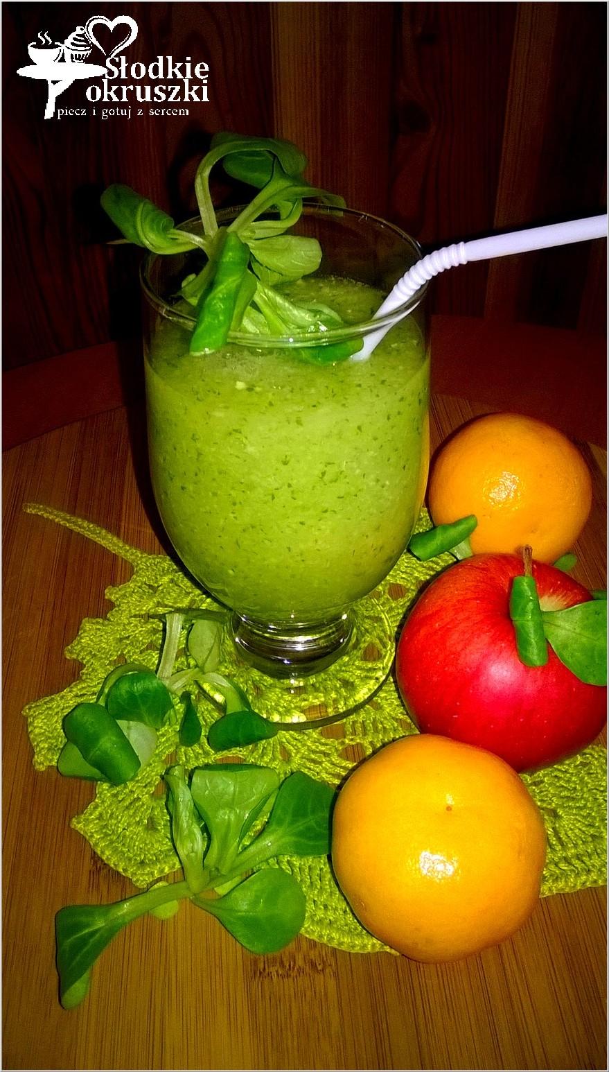 Zielone smoothie pełne zdrowia.