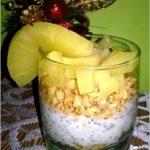 Ananasowe śniadanie z chia. Lekko i smacznie.