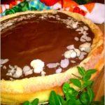 Sernik z bakaliami i czekoladową polewą