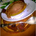 Grillowana gruszka z czekoladowo-lodowym nadzieniem