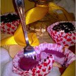 Małe jagodowe serniczki