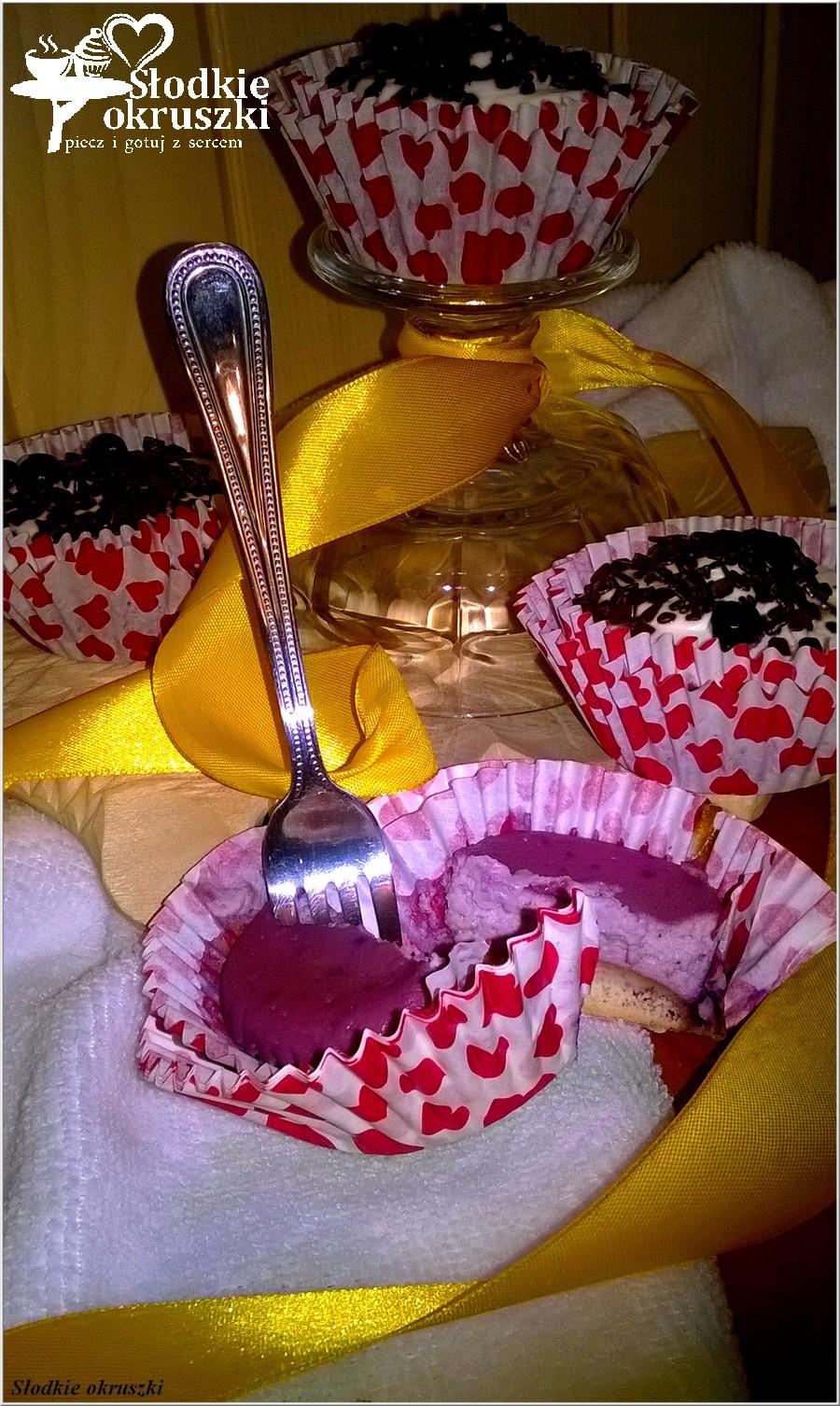 Małe jagodowe serniczki (1)