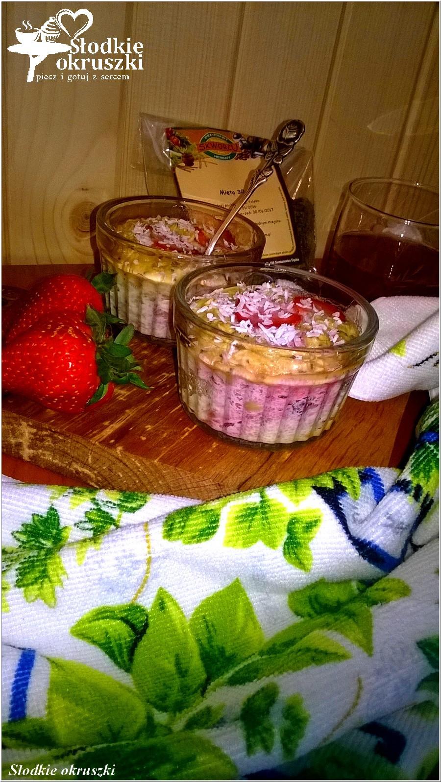 Miętowa owsianka pieczona z truskawkami (1)