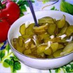 Najłatwiejsza surówka obiadowa z kwaszonych ogórków