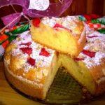Ciasto truskawkowo-jabłkowe. Proste ciasto z owocami.