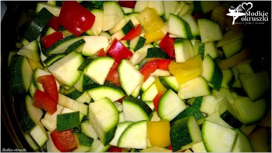 Przepis na wegetariańskie leczo z cukinią (3)