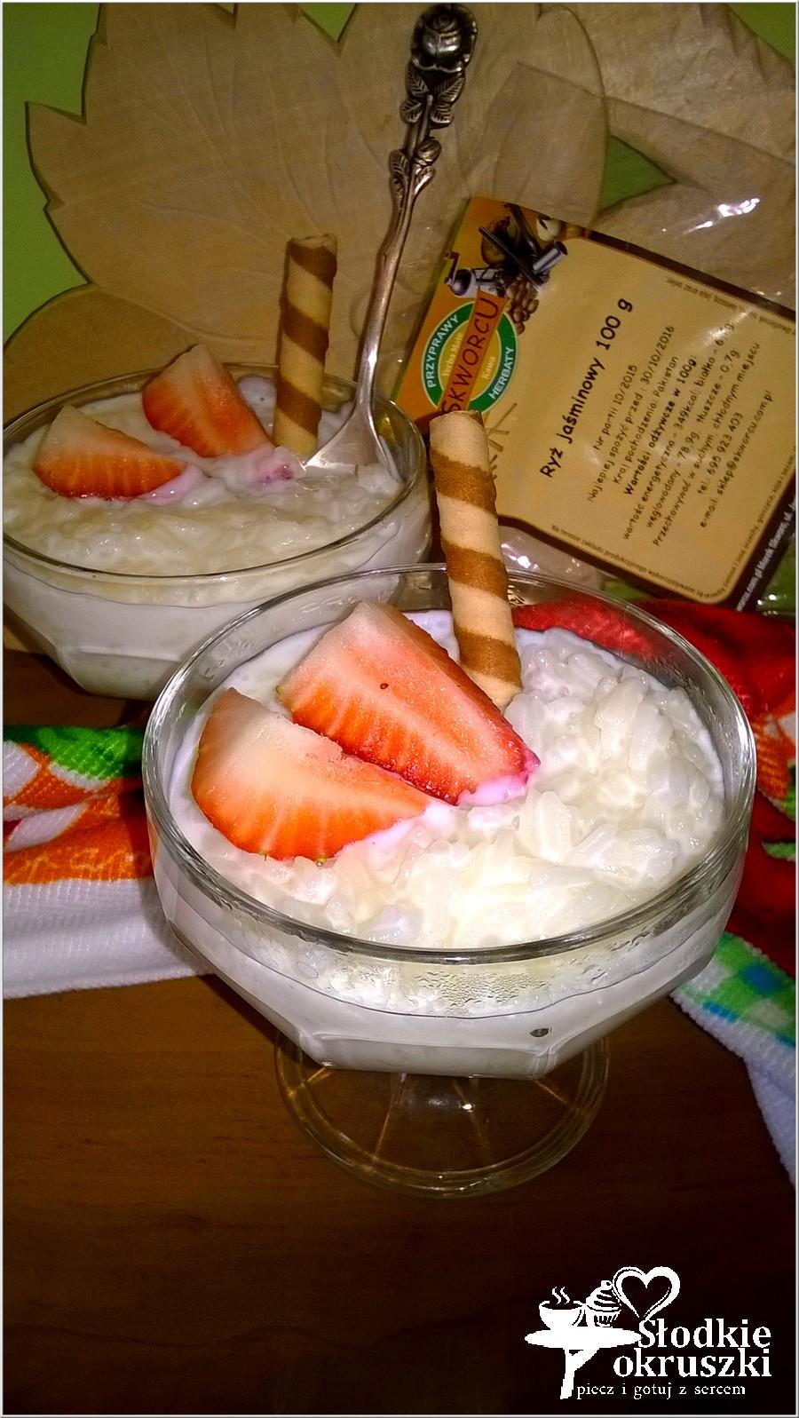 Pudding ryżowy z truskawkami (2)