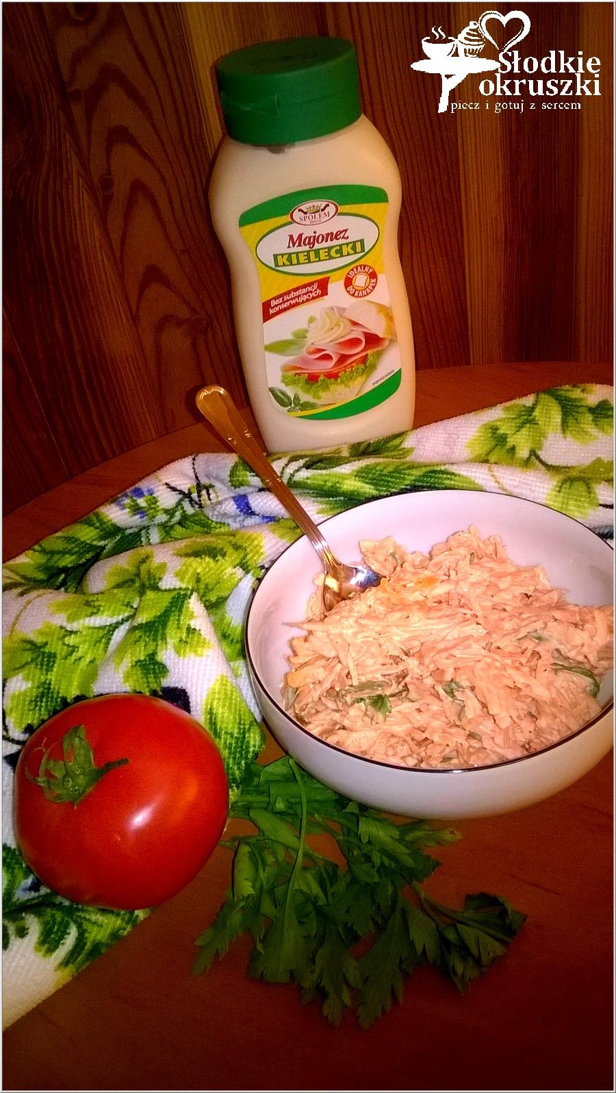 Szybka surówka z marchewki i zielonej pietruszki (2)