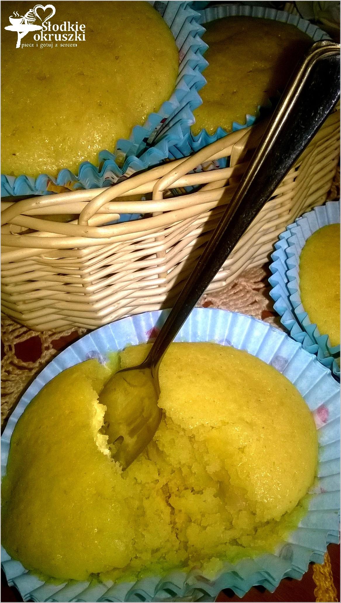 Złote kukurydziane babeczki z gruszką 2
