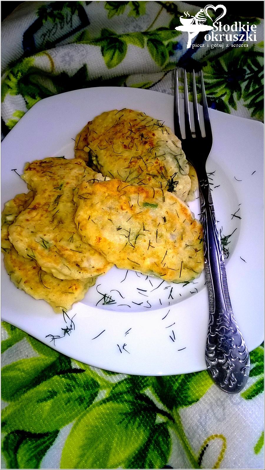 Placuszki z kaszy jęczmiennej z białym serem i koperkiem (1)