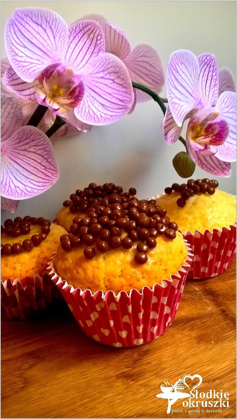 Delikatnie cytrynowe babeczki (1)