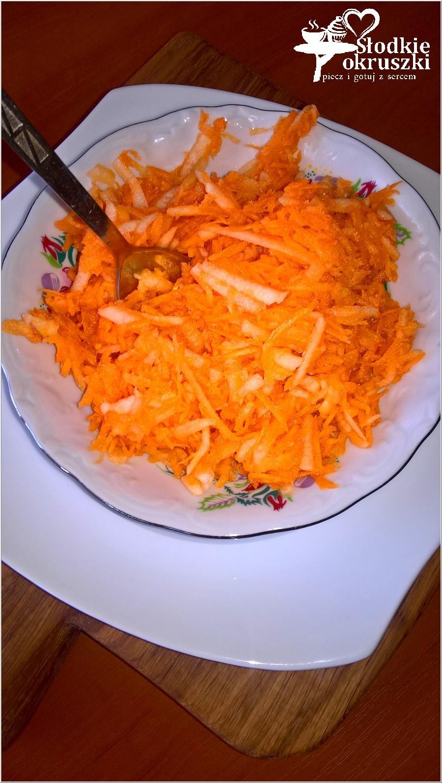 Najłatwiejsza surówka z marchewki do obiadu