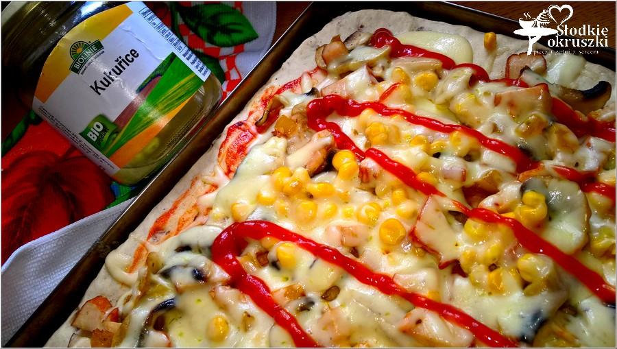 Słoneczna pizza na cebulowym cieście wg mojego męża (2)