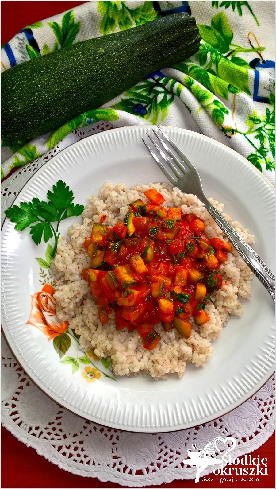 Szybki sos z kabaczka z kaszą jęczmienną (2)