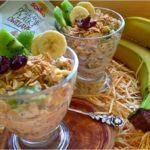 Bardzo owocowe i zdrowe owsiane pucharki z chia. Przepis w dwóch wersjach.