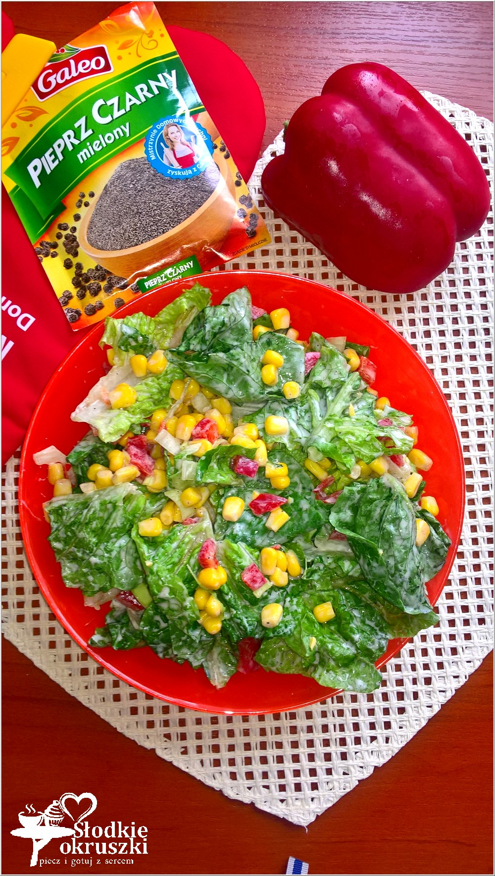 kolorowa-salatka-obiadowa-z-kukurydza-i-papryka