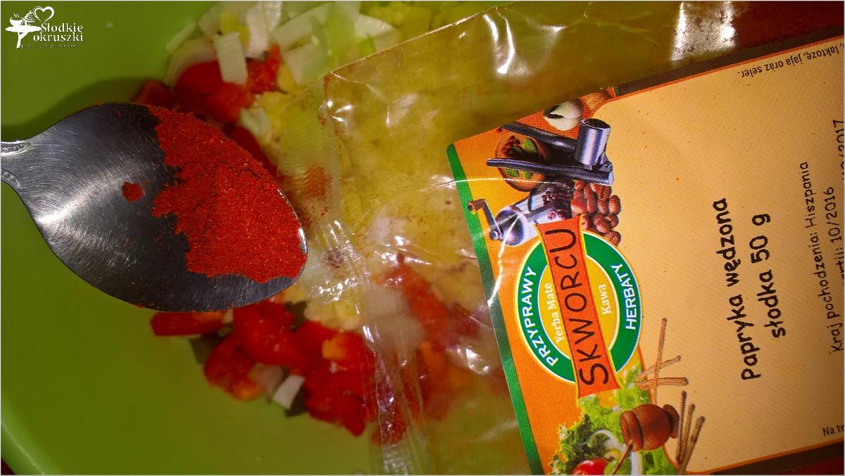 imprezowa-salatka-ziemniaczano-paprykowa-z-kwaszonym-ogorkiem-3