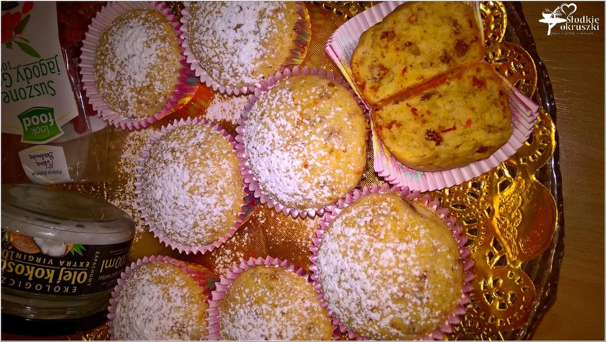 babeczki-z-jagodami-goji-na-oleju-kokosowym-5